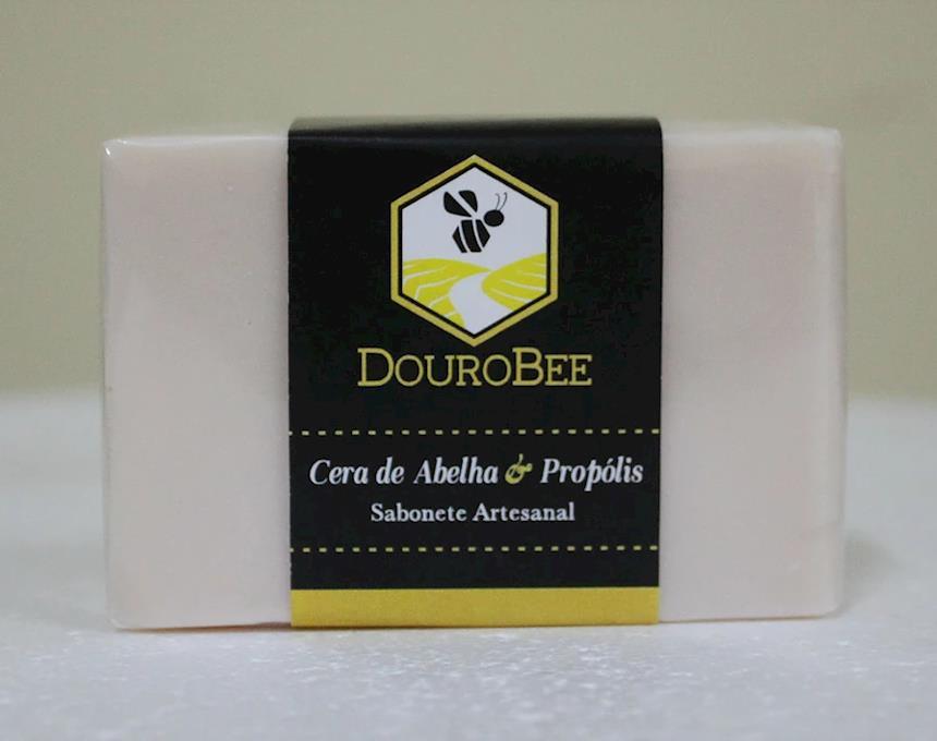 Sabonete de propólis e cera de abelha