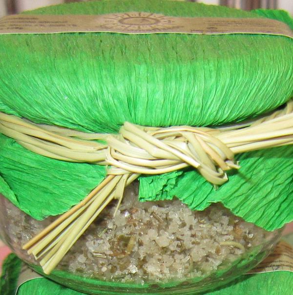 Frasco com Sal Marinho Aromatizado com Alecrim e Louro (Artesanal Natural), Frasco 120 gramas