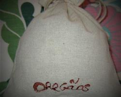Saquinhos de linho com Oregãos artesanais, saq. de 10 g e 20 g